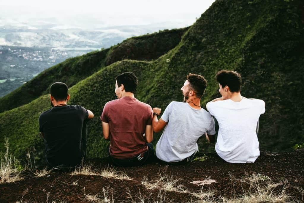 Männer in den Bergen